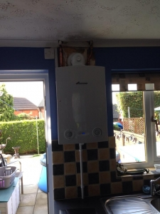 New Worcester Bosch conventioan boiler replacing old